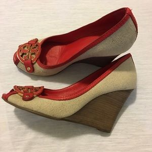 Tory Burch wedge size 9 1/2